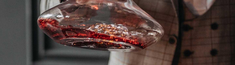 Decantazione del vino