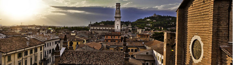 Splendida vista della città di Verona